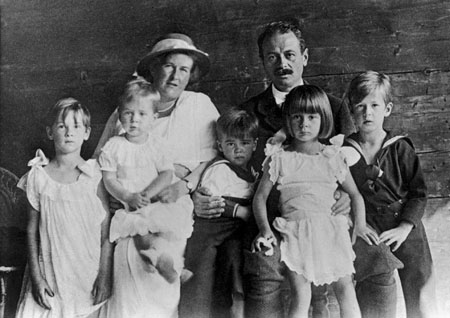 The Trapp Family with their children