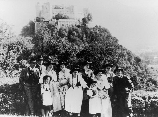 The last picture of the Trapp family in front of fortress Hohensalzburg